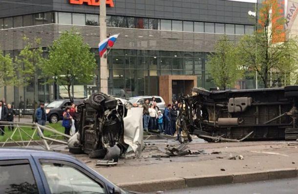 Четыре человека пострадали вДТП страмваем наБухарестской