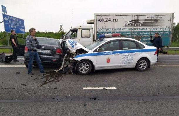 Полицейская машина попала ваварию наМурманском шоссе