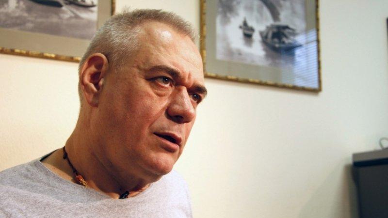 СМИ опубликовали видео с медиками, пытающимися спасти Доренко