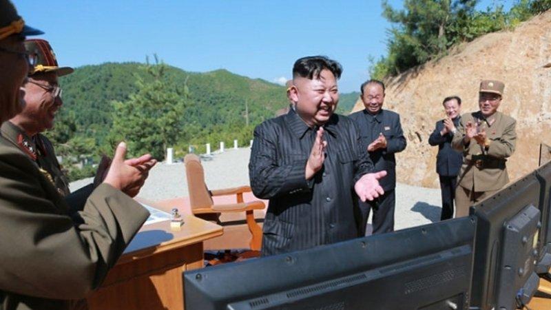 Япония считает, что Северная Корея испытала баллистические ракеты малой дальности
