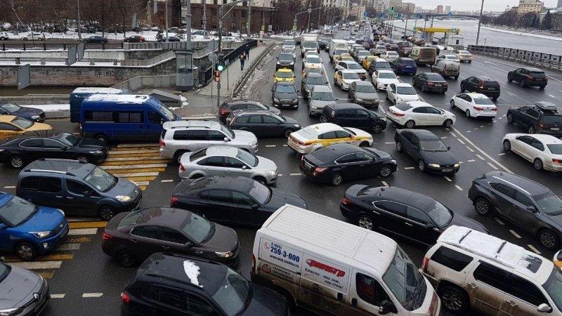 Пробки на въезде в Москву сохранятся до вечера