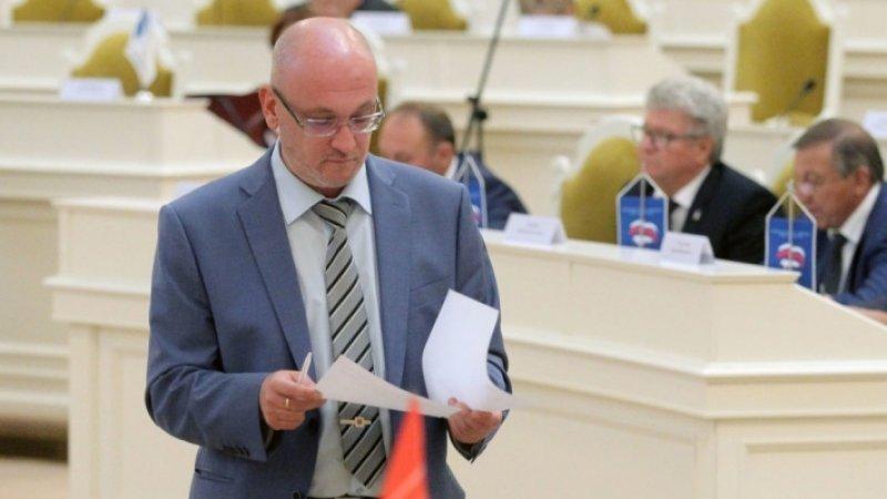 Застройщик из Петербурга с удовольствием бы посадил депутата Резника за вымогательство