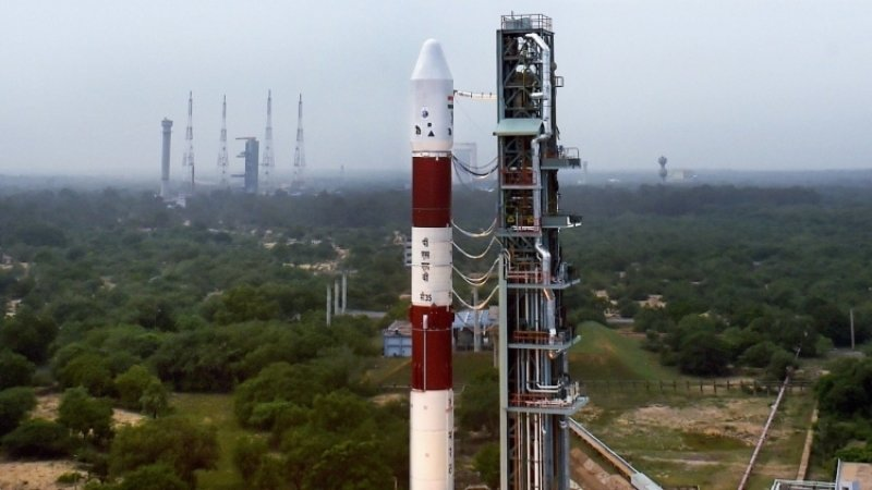 Индия запустила на орбиту новейший разведывательный спутник
