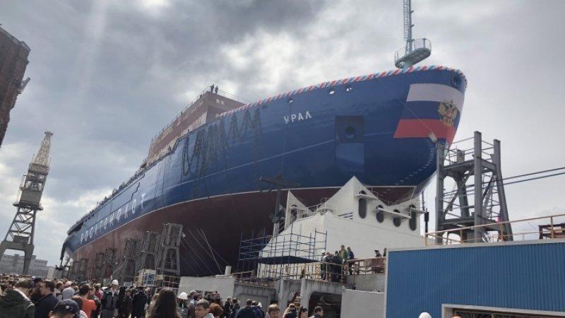 Новый атомный ледокол «Урал» спущен на воду в Петербурге