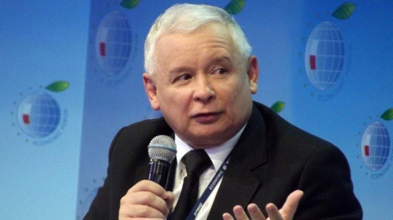 Польский политик призвал Качиньского ответить перед судом за оскорбления в адрес РФ