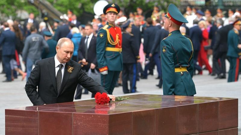 Путин подвел итоги прошедшего в Москве парада Победы
