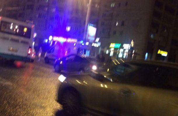 Hyundai сбил пешехода у станции метро