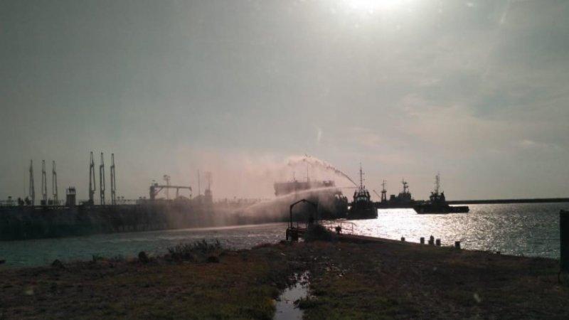 Волжское пароходство поможет семьям погибших от взрыва на танкере