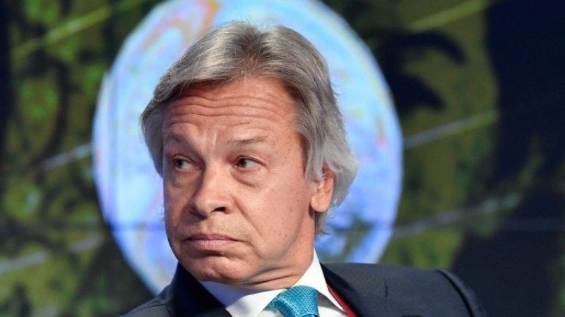 Пушков усомнился в заявлении Макрона о восстановлении отношений с Москвой