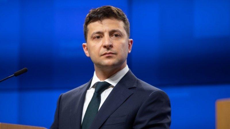 Зеленский ведет Украину к катастрофе, заявил депутат Верховной рады