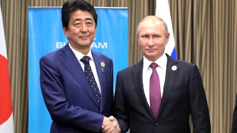 Песков не стал раскрывать подробностей встречи Путина и Абэ наG20