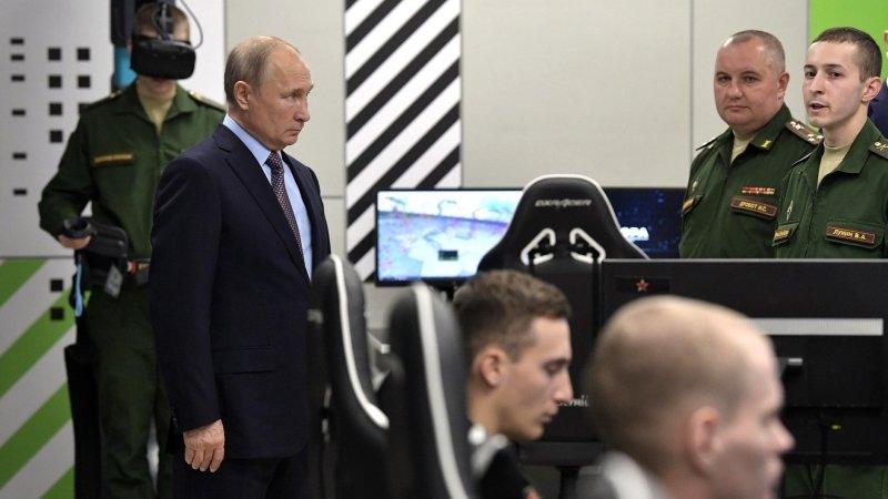 Новые военные разработки представили Путину на форуме «Армия-2019»