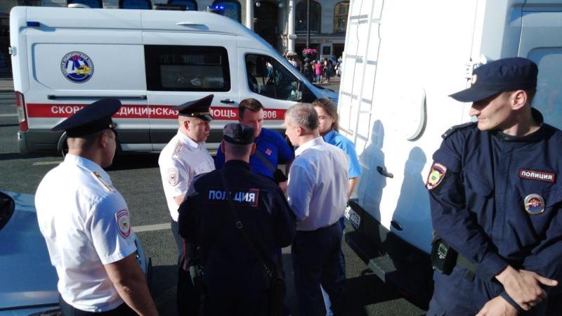 Полиция задержала двух провокаторов на митинге в Петербурге