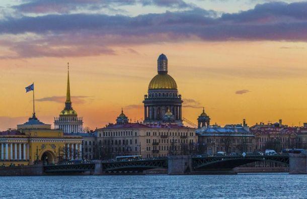 Петростат рассказал, когда население Петербурга достигнет 6 млн