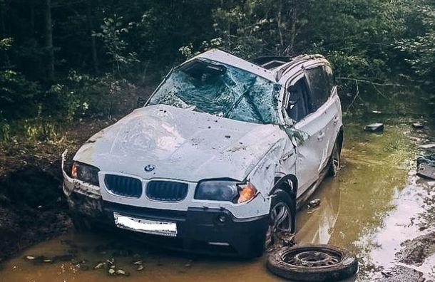 Кроссовер перевернулся семь раз: водитель BMW погиб вДТП под поселком Щеглово