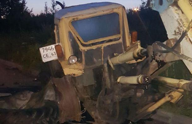 Водитель погиб, въехав встарый трактор напроспекте Культуры