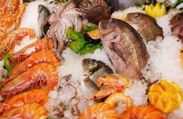Сотрудница Россельхознадзора выносила морепродукты изпорта под видом проверки