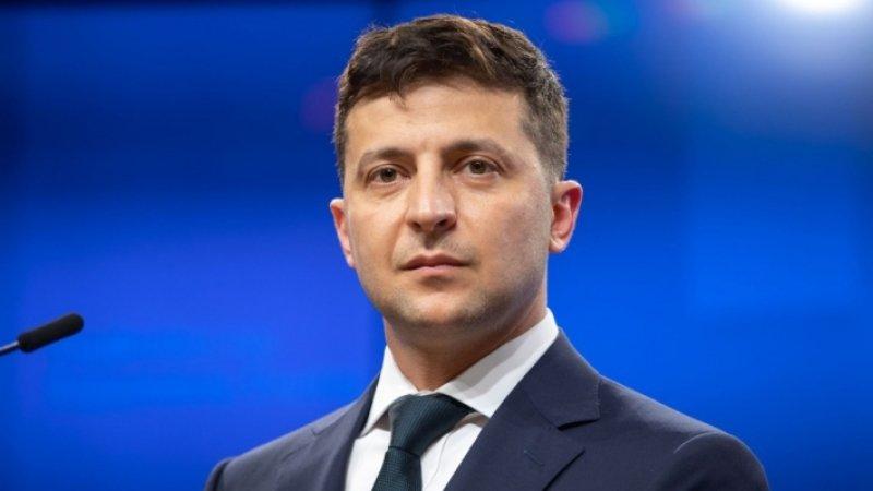 Зеленский в Донбассе заговорил по-русски