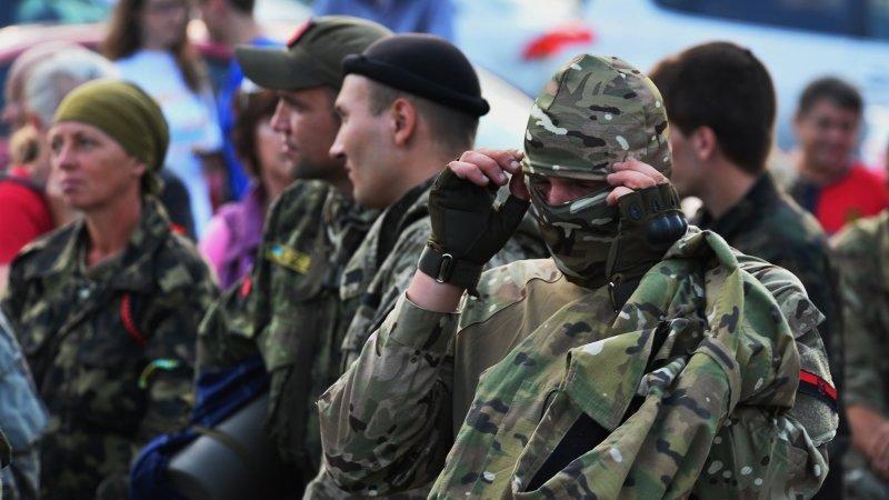 Рядовой ВСУ открыл огонь по националистам из «Азова»* в Донбассе