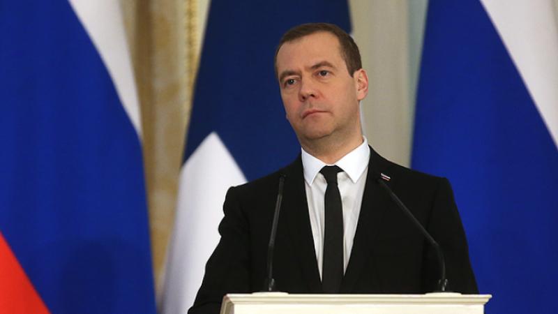Медведев заявил, что Россия готова работать с новым правительством Греции