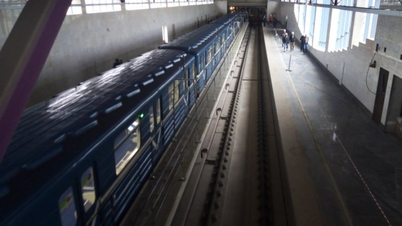 Пробный поезд проехал по новому участку метро в Петербурге