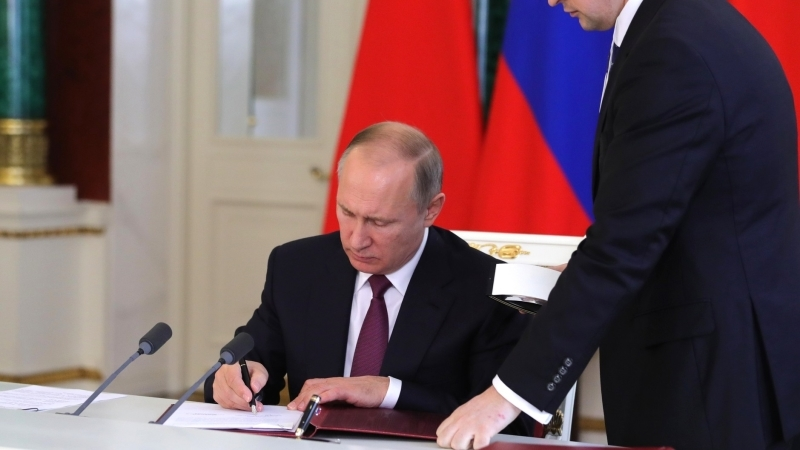 Нотариусы в ЛНР оформили 20 тысяч документов, поданных на гражданство РФ
