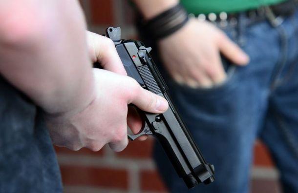 Петербуржец спистолетом угрожал расправой шумным соседям