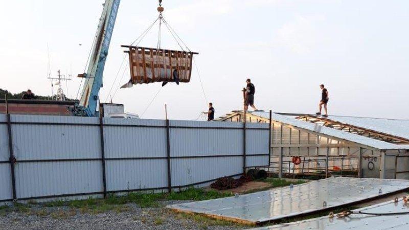 Машины с косатками из  «китовой тюрьмы» прибыли в Хабаровский край