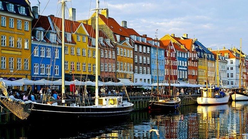 Взрыв прогремел у полицейского участка в Копенгагене