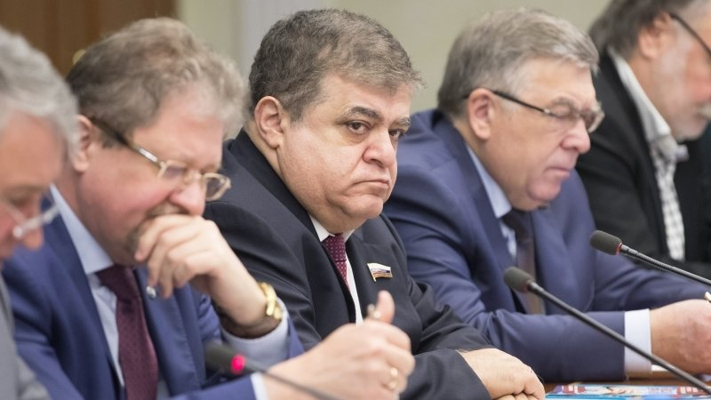 Неопытная молодежь стала инструментом в руках оппозиции, заметил сенатор Джабаров