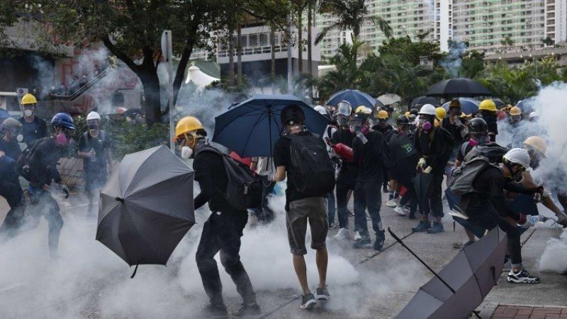 Аэропорт Гонконга отменил сотни рейсов из-за протестующих