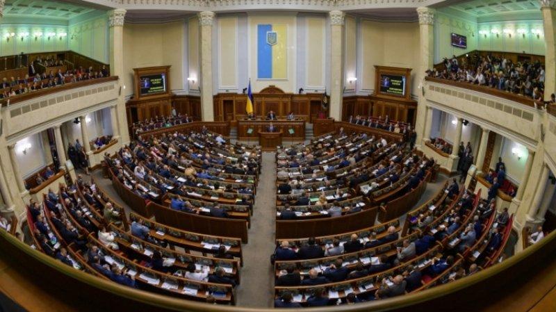 Помощник Зеленского поддержал закон о тотальной украинизации