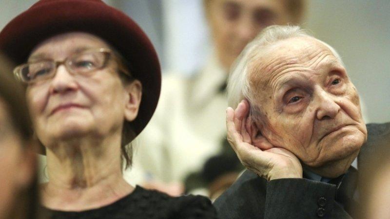 Росстат сообщил о рекордном числе долгожителей в России