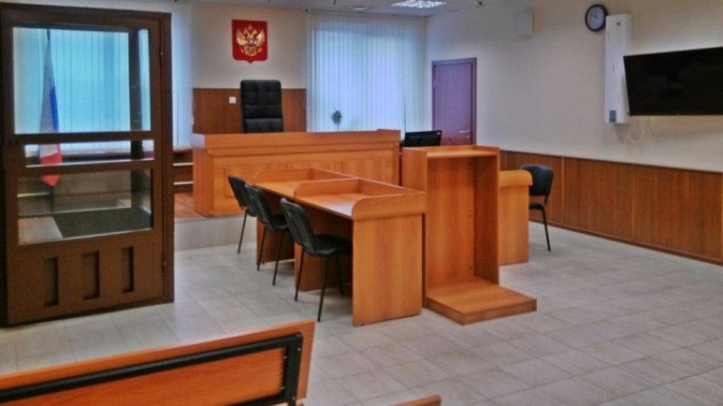 Двух экс-полицейских в Москве осудят за фиктивную регистрацию 64 тысяч мигрантов
