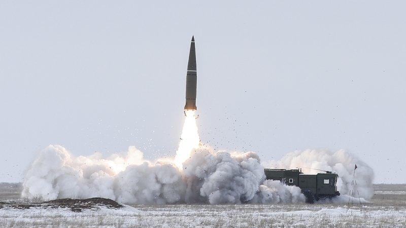 Российские военные провели учебный пуск ракеты «Искандер» на полигоне «Капустин Яр»