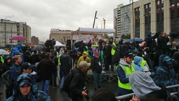 Онищенко призвал перекрыть западное финансирование организаторам незаконных митингов