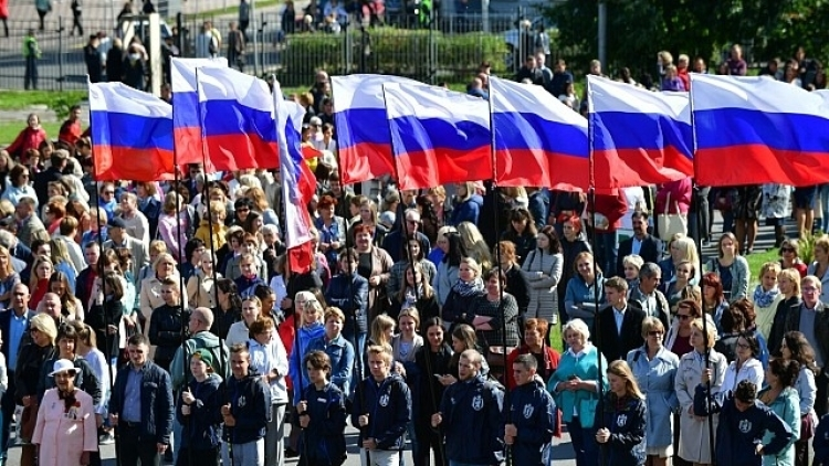 Общественная палата предложила либерализировать закон о государственном флаге