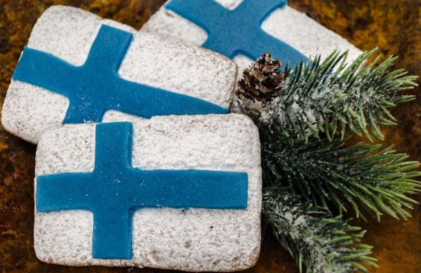 Петербуржцы стали на93% реже оформлять финские визы