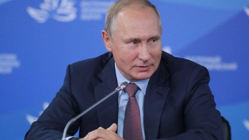 Путин предложил подумать над расширением возможностей использования маткапитала