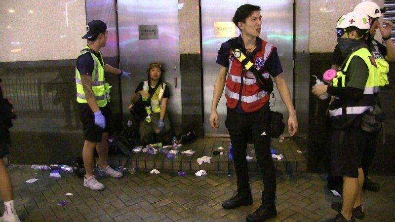 ФАН публикует видео противостояния полиции и протестующих в Гонконге