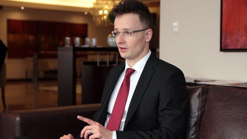 Венгрия заявила о двойных стандартах Германии при выстраивании отношений с РФ