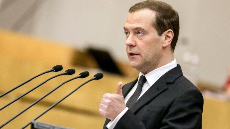 Медведев выступил за создание более гибкого трудового графика