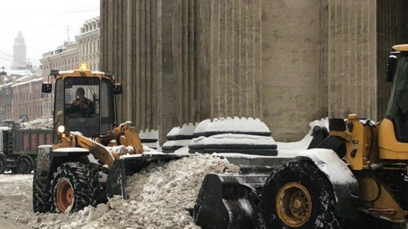 Беглов заявил, что снегоуборочная техника подготовлена к первым морозам в Петербурге