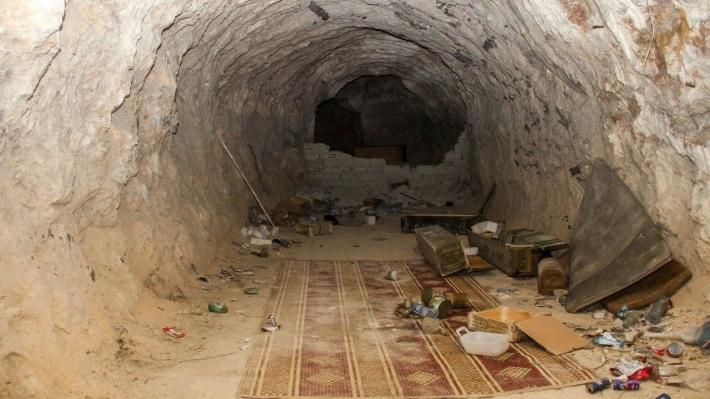 Военкоры ФАН спустились в подземное убежище террористов на северо-западе Сирии