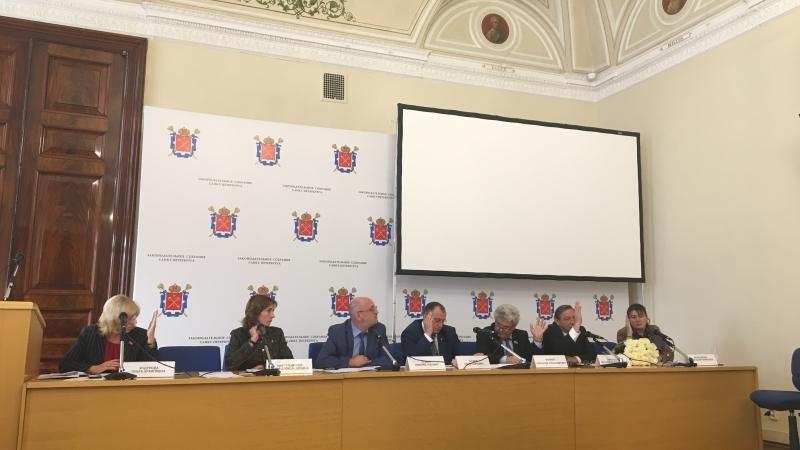Ветераны Петербурга осудили заявление депутата Резника о Знамени Победы
