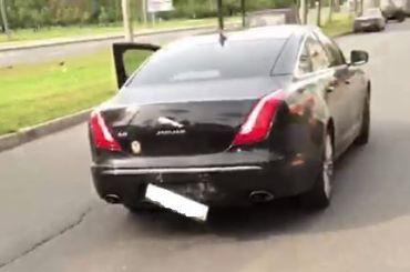 Пытавшийся увезти урну надомного голосования Jaguar попал в ДТП