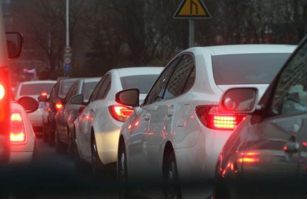 Нарусско-финской границе автомобилисты стоят вогромных пробках