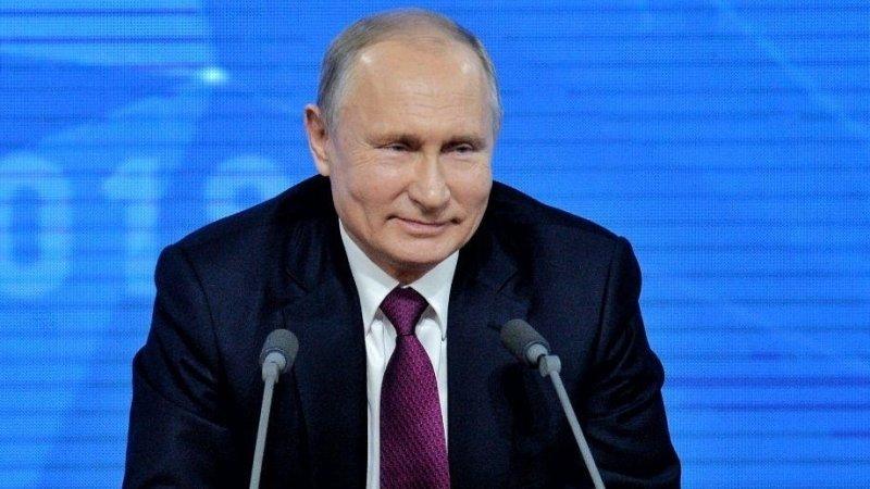 Путин поздравил российскуюлегкоатлетку с золотом на ЧМ в Дохе