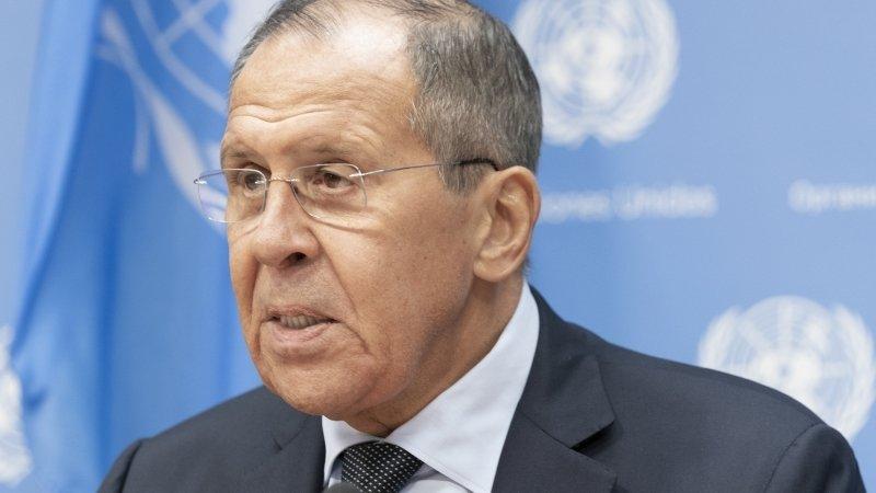 Сохранение присутствия США в Сирии вызывает вопросы, считает Лавров