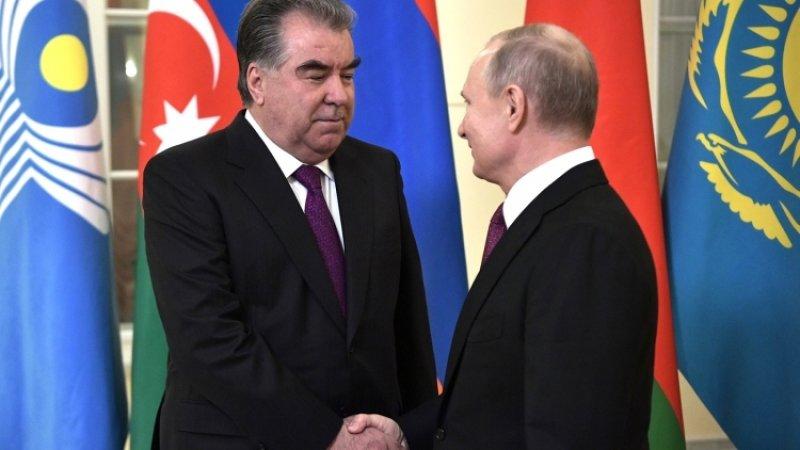 Путин поздравил лидера Таджикистана с днем рождения